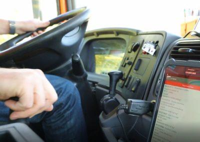 im Fahrzeug 2